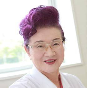 医療法人豊腎会 会長 鈴木 田鶴子
